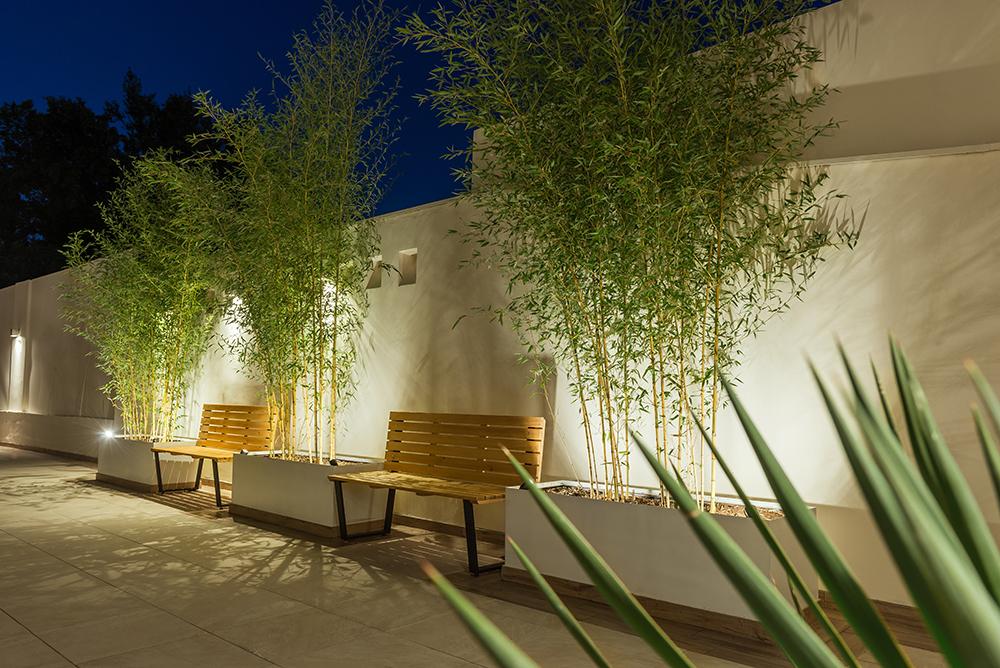 ¿Cómo destaco detalles de mi jardín o terraza con luminarios LED?