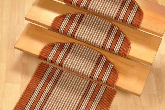Tendencias y consejos de iluminaci n para el hogar for Escaleras con alfombra