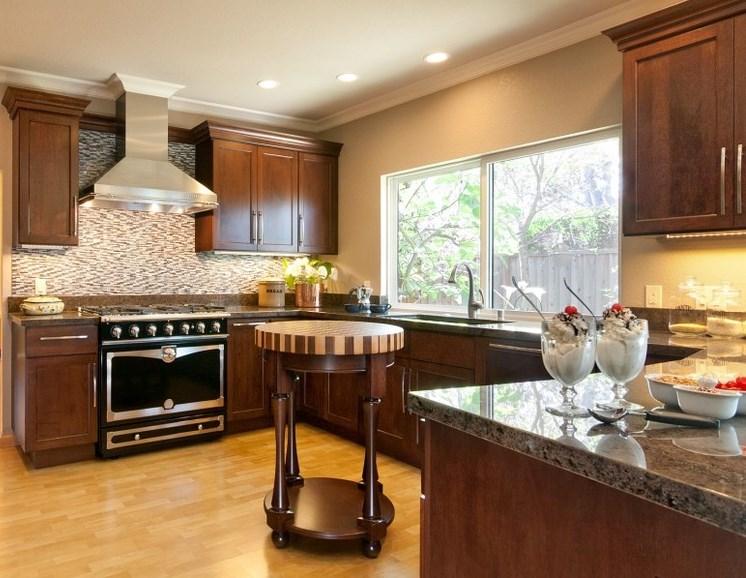 Tendencias y consejos de iluminaci n para el hogar for Decoracion de cocinas pequenas y economicas